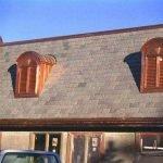 Skiffer som takläggning på äldre byggnad
