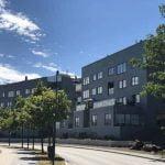 Takskiffer Nordskiffer Grön på bostadshus i Stocksund Enkeltäckning på fasaderna.