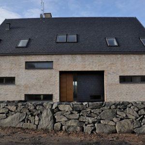 Villa i Strandbaden med skiffertak monterad i dubbeltäckning - Nordskiffer Classic