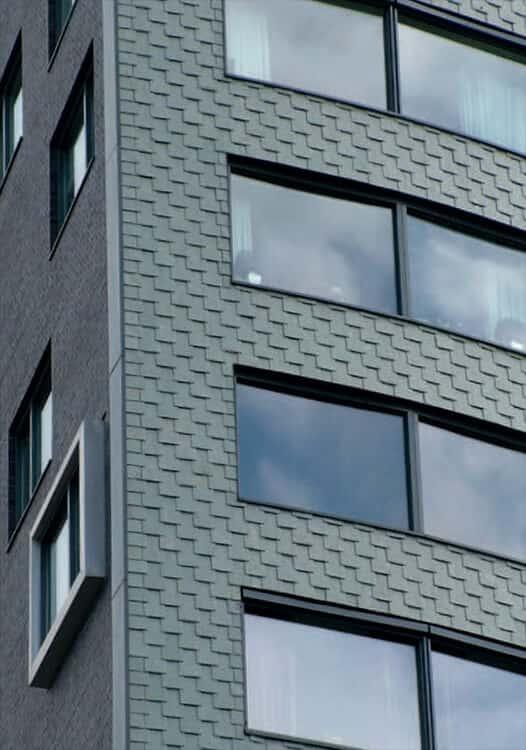 Förnya din fasad med takskiffer. Isärdragen dubbeltäckning och montage med krok.