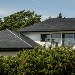 Hus i Höllviken med Samaca Classic skiffertak