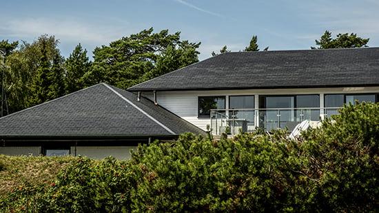 Hus i Höllviken med Nordskiffer Classic skiffertak