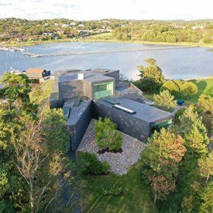 Villa W i Göteborg - Kullavik, med tak och skifferfasad