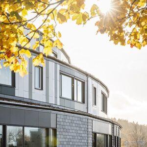 Lärjeskolan Hjällbo blandad Sifferfasad - Lugano grå och Castillo