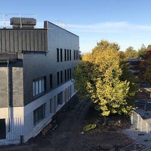 Råsslaskolan i Norrköping med Nordskiffer Grå - Fasadskiffer