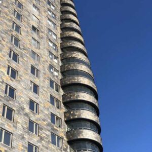 Takskiffersorten Nordskiffer Otta Rost på fasaderna på Fyrtornet, Lidingö