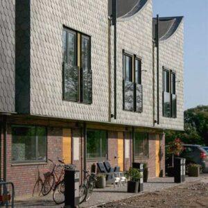 Rundklippt takskiffer på fasader Morgondoppet. Foto Fredrik Karlsson, Landskrona stad